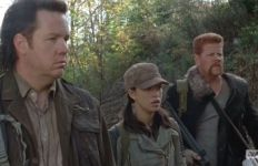 us-eugene-rosita-and-abraham-watch-glenn-run-off-850x560