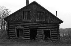 vieille-maison-pierre-noire