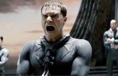 Michael Shannon campe un brillant Général Zod
