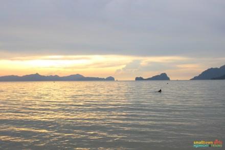 El Nido Marimegmeg Beach Las Cabanas 01
