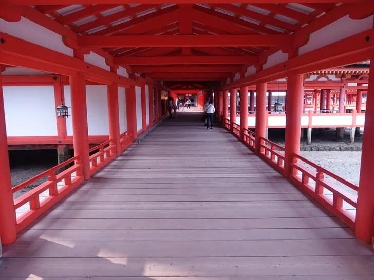 厳島神社の参拝中の写真その1