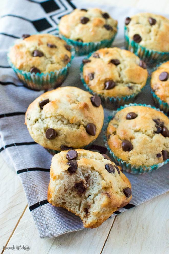 greek-yogurt-banana-chocolate-chip-muffins-3