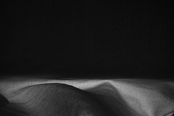 minimalist photography nydia lilian 01 Black and White Minimalist Photography by Nydia Lilian
