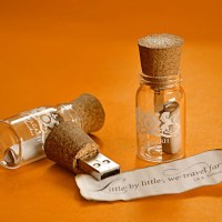 Message-Bottle-Pen-drives-01