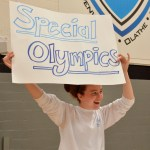 Senior Libby Frye promotes the Share project for the Special Olympics. Photo by Ava Simonsen