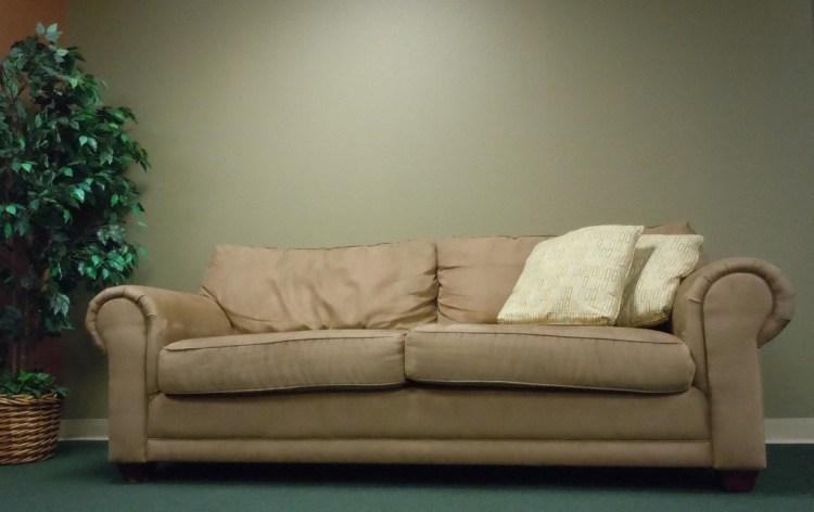 couch-377975_1920