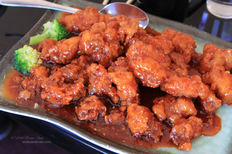 4537-mountain-bistro-general-tsos-chicken