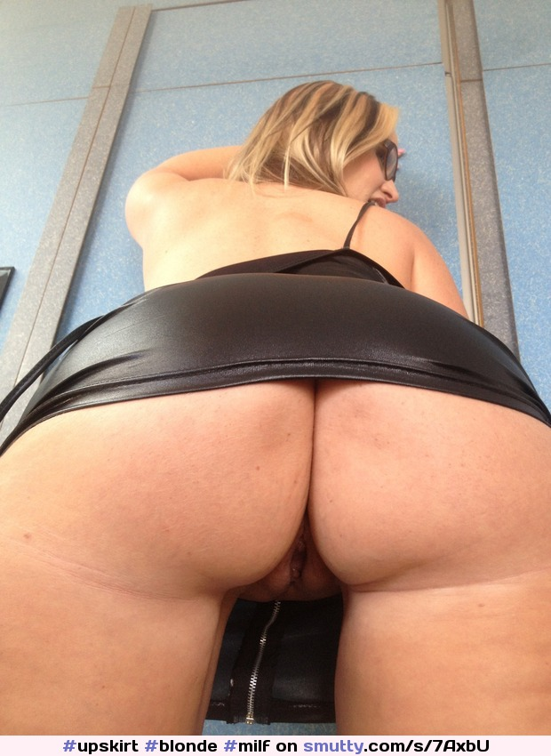 upskirt no underwewr pawg ass spread
