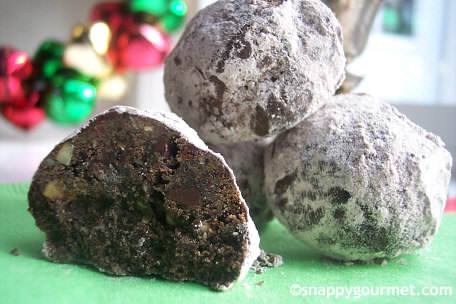Cinco de Mayo Recipes (Mexican Chocolate Snowball Cookies)  | SnappyGourmet.com