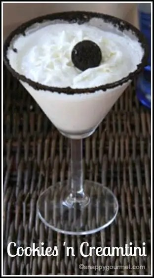 Cookies 'n Creamtini Dessert Cocktail Recipe | SnappyGourmet.com