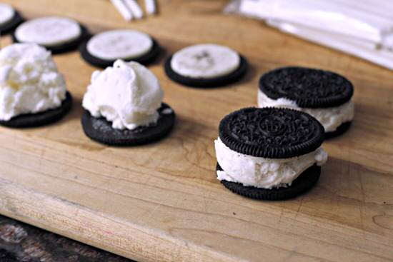 Dipped Oreo Ice Cream Pops