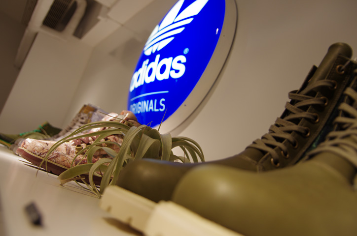 Photo09 - adidas Originals by JEREMY SCOTT XMAS PACK Release Party Recap