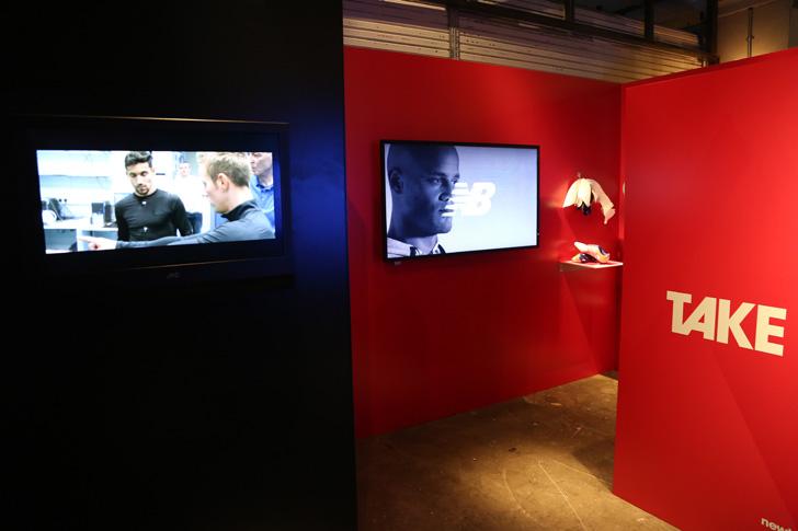 Photo10 - マンチェスター・ユナイテッド所属のマルアン・フェライーニ選手を招いた New Balance FOOTBALL 2015FW BOOTS REVEAL PARTY が開催