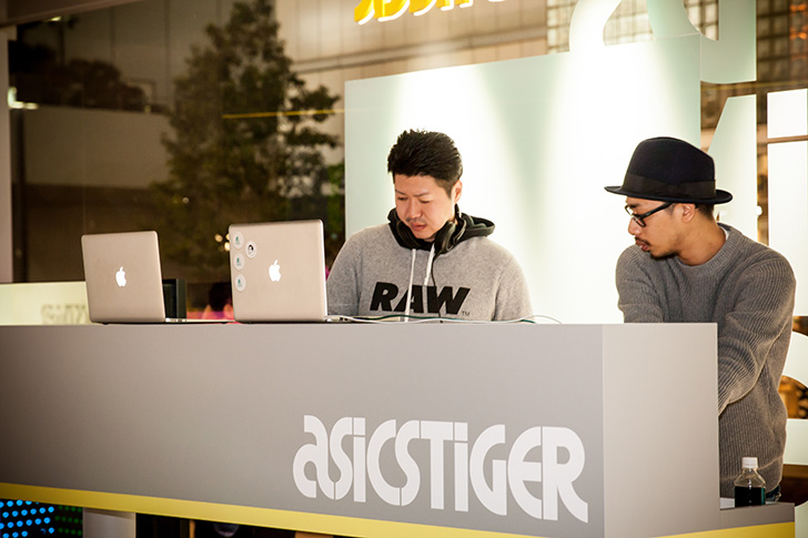 Photo04 - アシックスタイガーは、GEL-DS TRAINER OG発売記念イベントをアシックスタイガー大阪心斎橋で開催