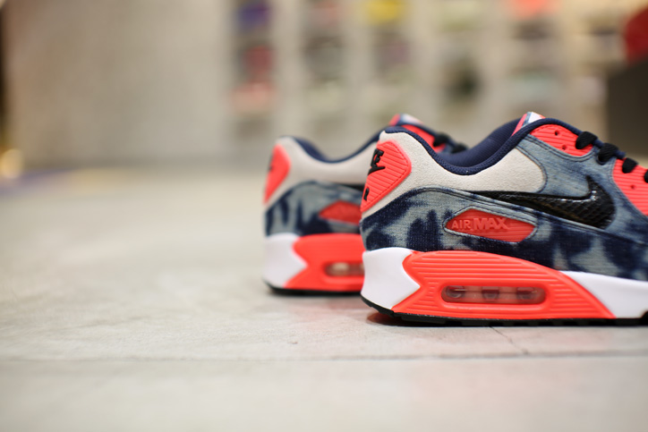 "Photo08 - Interview with Sports Lab by atmos Director Koji ""NIKE AIR MAX 90 Bleach Denim Collection"""
