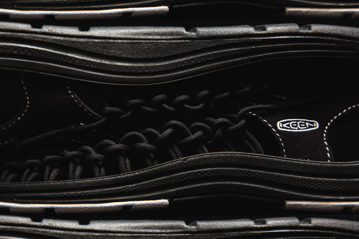 """Photo05 - キーンから、通称""""オープンエアスニーカー""""と呼ばれるUNEEKのmita sneakersコラボレーションモデルが登場"""