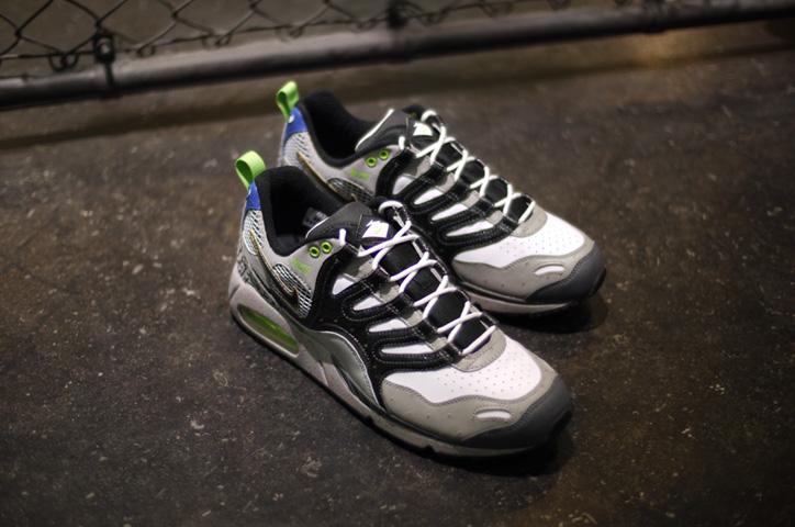 "Photo06 - NIKE AIR MAX HUMARA 森羅万象 ""mita sneakers&quot"