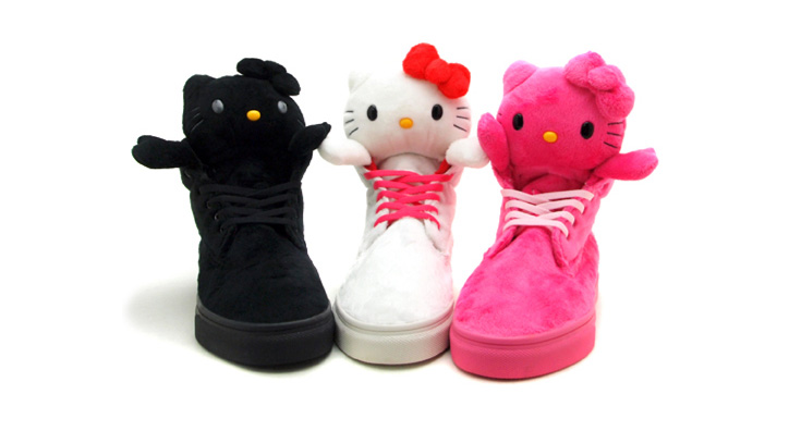 Photo01 - HELLO KITTY x UBIQ MASCOT FATIMA