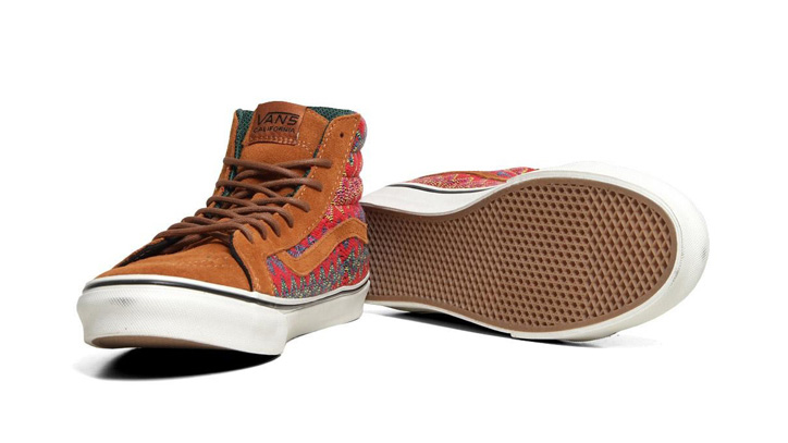 Photo02 - VANS CALIFORNIA – F/W 2012 – SK8-HI SLIM CA ZIG ZAG