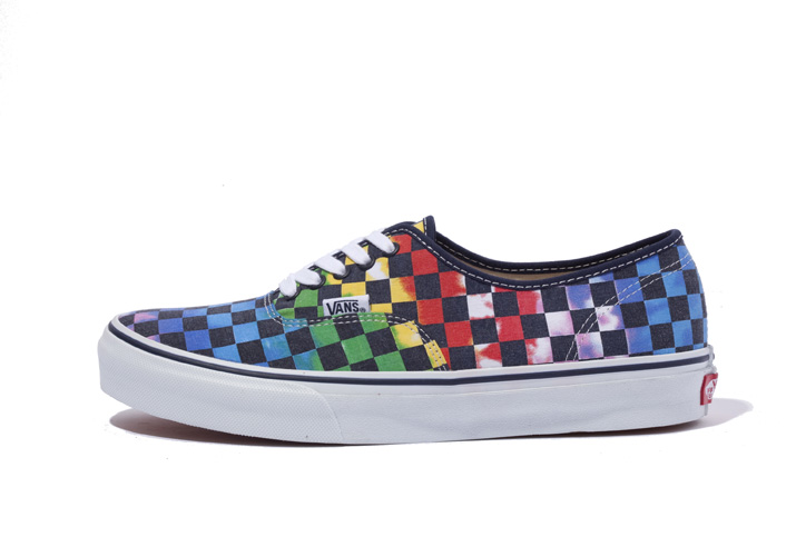 Photo06 - XLARGE® x VANS AUTHENTIC TIE-DYE CHECKER FLAG