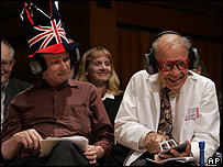 Ganadores del Nobel Dudley Herschbach (Der.) y Richard Roberts.