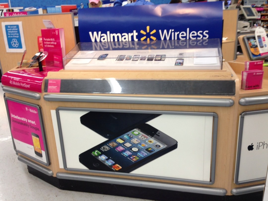 #FamilyMobileSaves You Money on Your Teen's Smartphone #shop