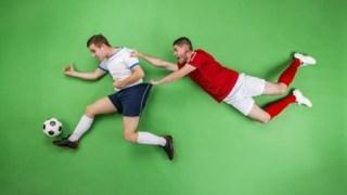 サッカーのバックパスをカットした選手がオフサイドになることはある?