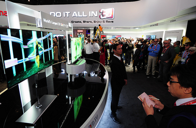 Samsung Asks IP Tribunal To Invalidate LG OLED Patents