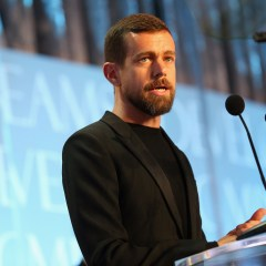 Twitter begins enforcement of new-anti-abuse rules—first offenders suspended