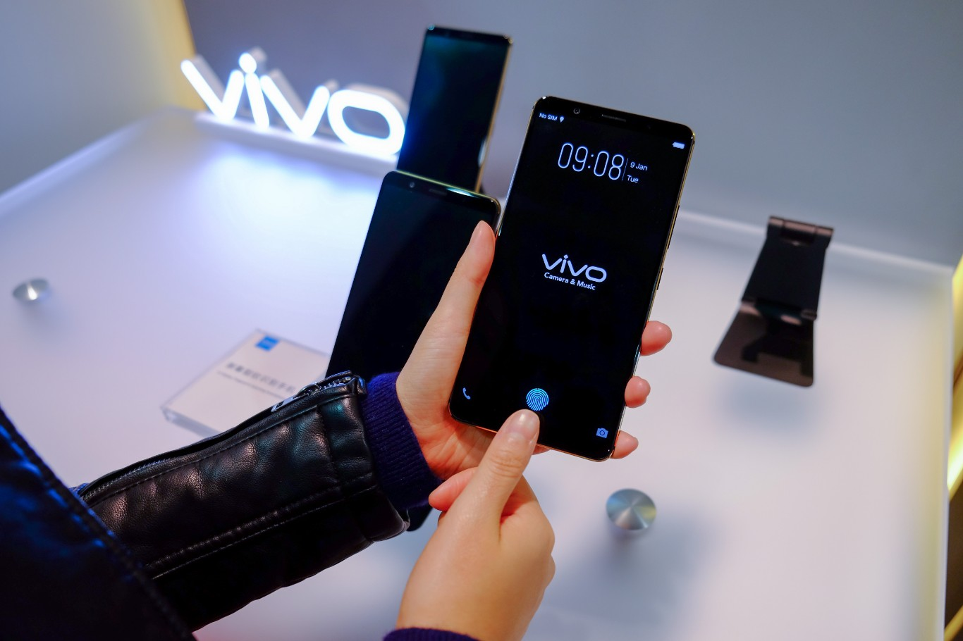 Vivo Showed Its First Phone With In Display Fingerprint Scanning Technology
