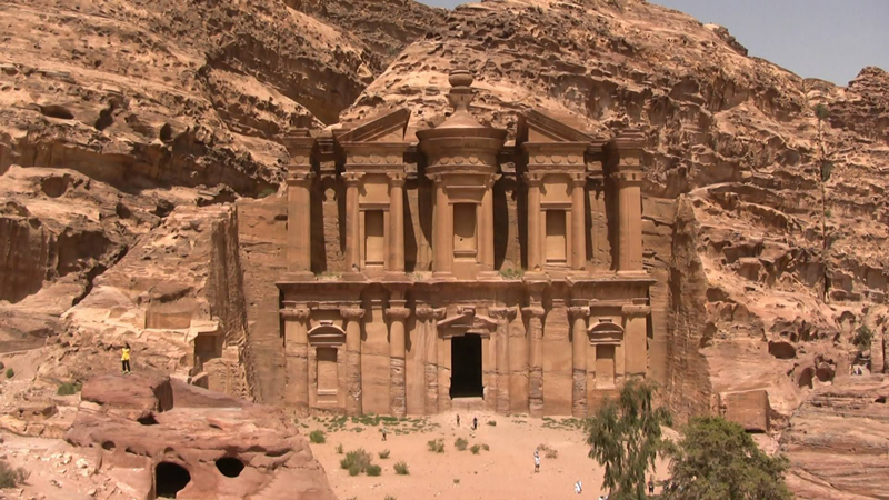petra-jordans-lost-city-travel-social