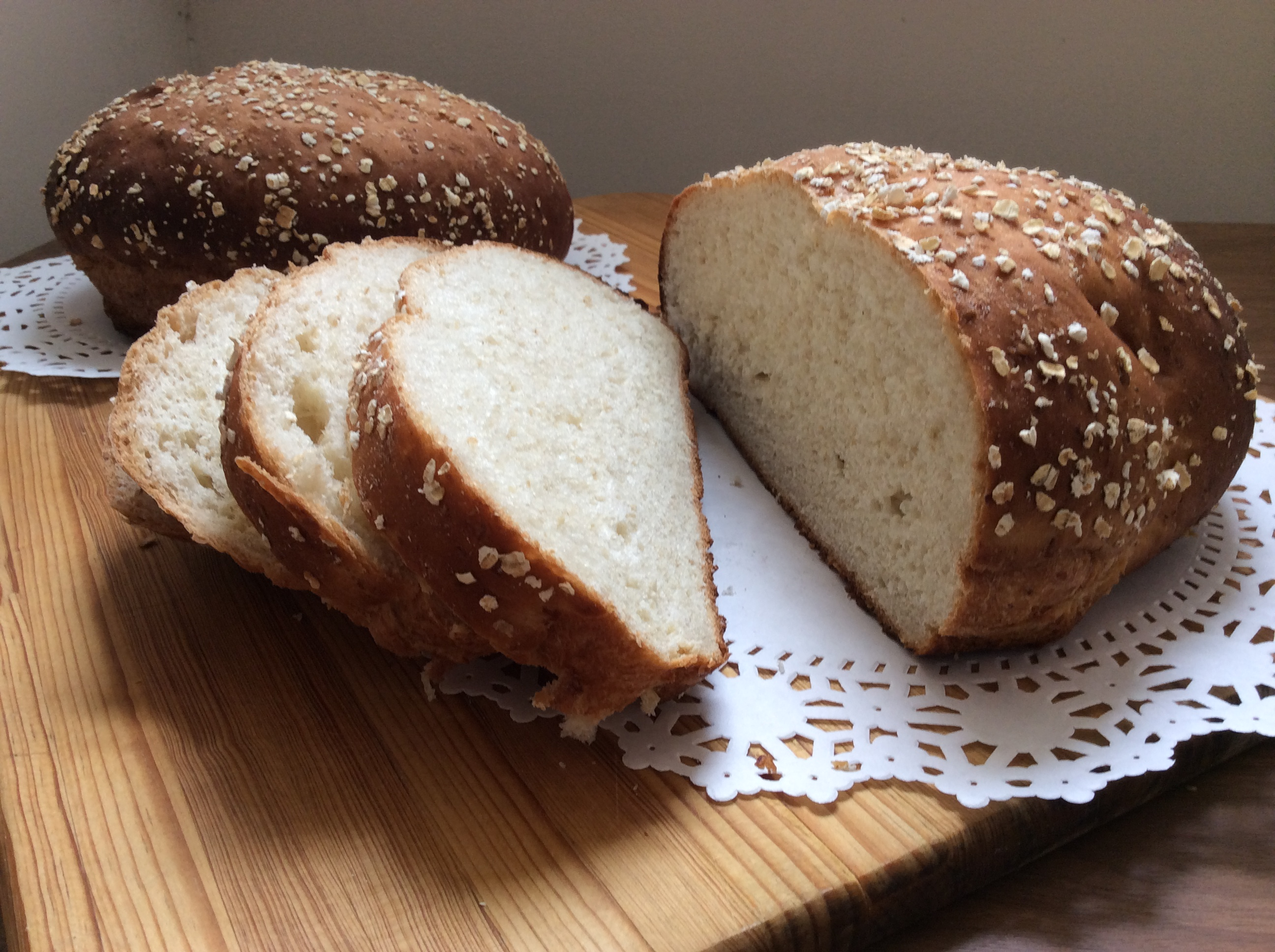 honey oatmeal bread save print this honey oatmeal bread is great for ...
