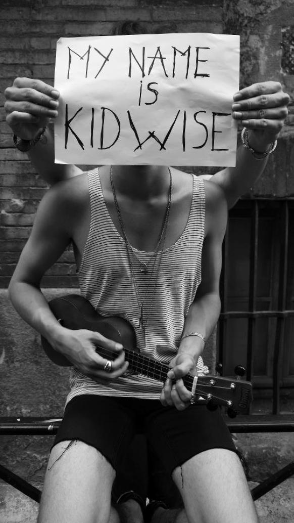 Kid Wise live in Paris - sodwee.com