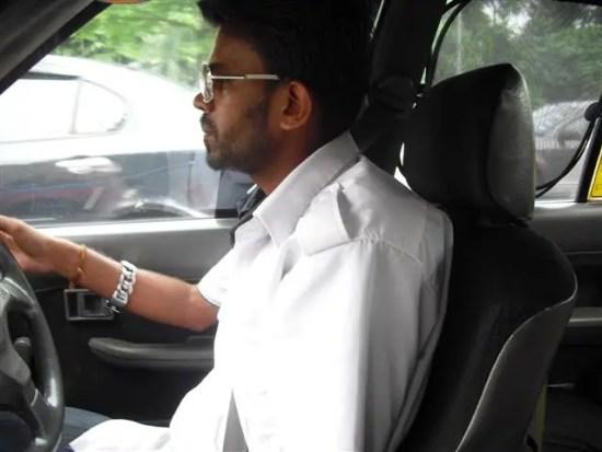Pemandu teksi yang menggunakan perkhidmatan aplikasi Taxi Monger