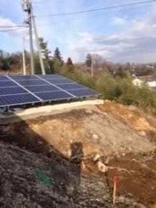 太陽光発電パネルの架台、大雨などで崩壊の可能性?