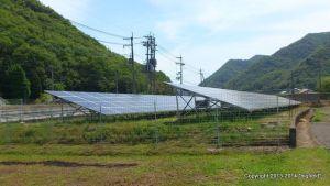 太陽光発電所にフェンスを設置