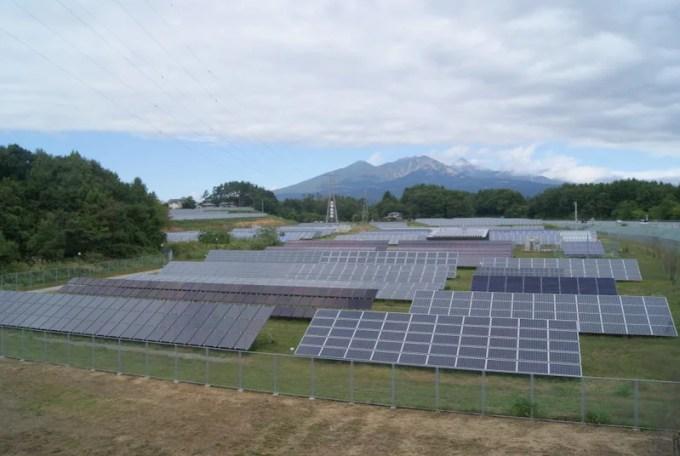 産業用太陽光発電(山梨県北杜市のNEDO実証サイト)