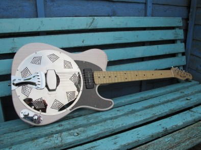 """Lovely Cream Ash Sollophonic with P90. Now residing in Holland with its new owner who says """"Today my guitar arrived, all in good order Already playing all evening, Also checked the pickup sounds very very beautiful"""""""
