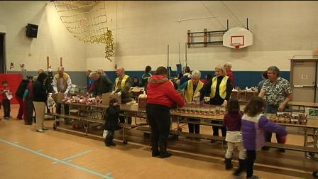 New-Mobile-Food-Bank-Comes-to-Amistad-Elementary