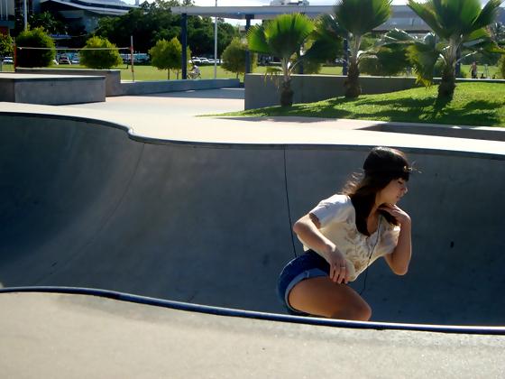 sexy-girl-skateboard