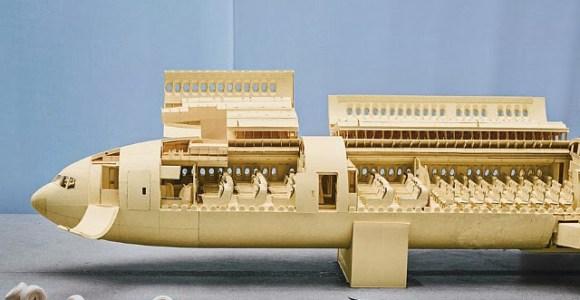 Aeromodelo extremamente realista está sendo construído apenas com papel