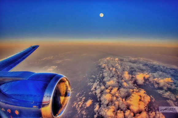 the-moon-from-an-airplane