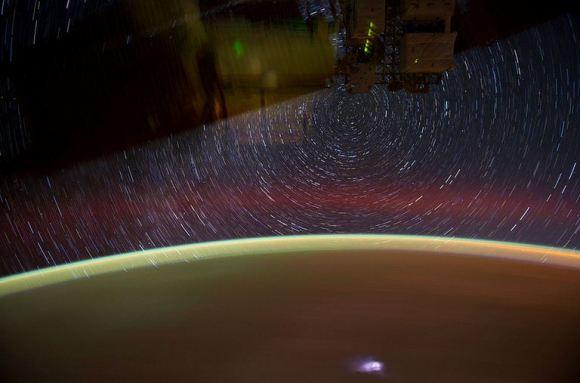 Fotos em longa exposição do espaço (10)