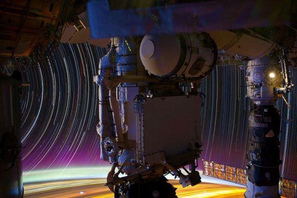 Fotos em longa exposição do espaço (6)