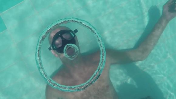 bolhas embaixo da água