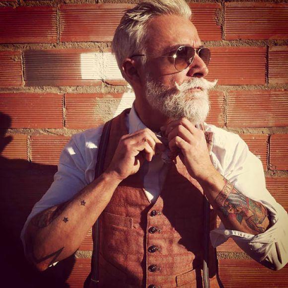 Pessoas mais velhas com tatuagem 9