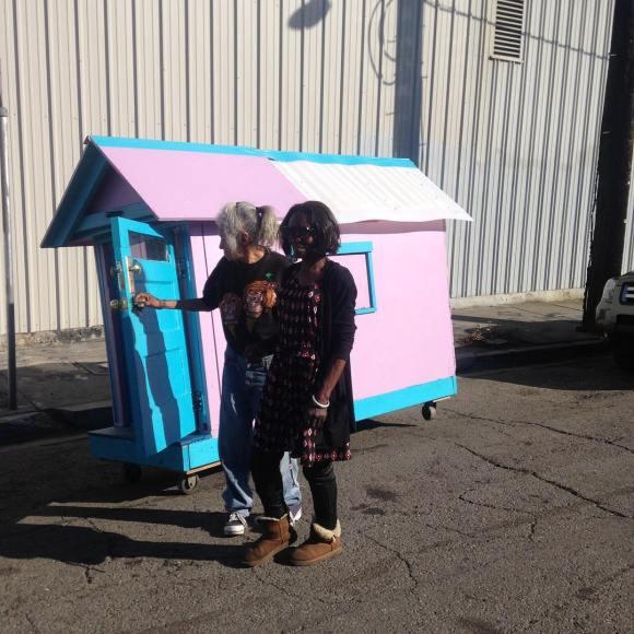 Casas de sucata para moradores de rua 7