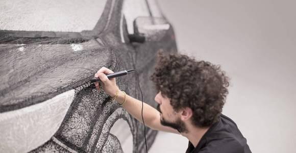 Para divulgar um carro, eles fizeram a maior escultura com caneca 3D do mundo