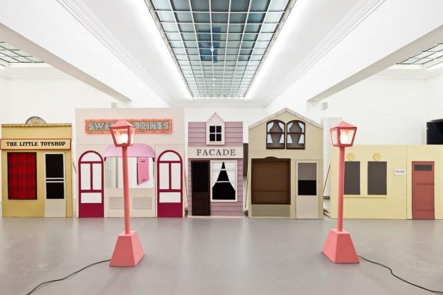 Claus Richter, Facade, 2010 (via Frieze)