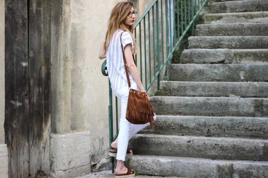 look-white-jeans-cimarron-shein